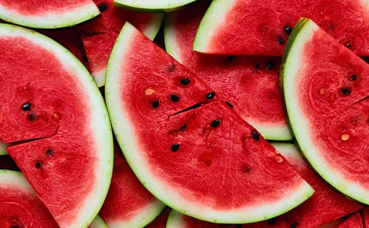 Estate e alimentazione: cosa mangiare per combattere il caldo?