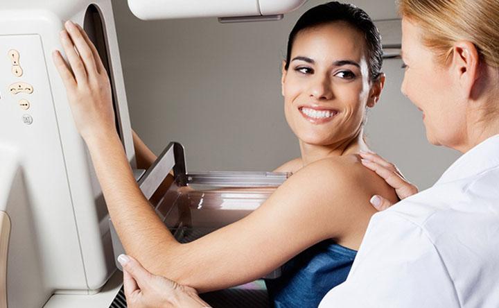 Cancro al seno e mammografia: uno studio propone delle nuove linee guida per gli screening annuali