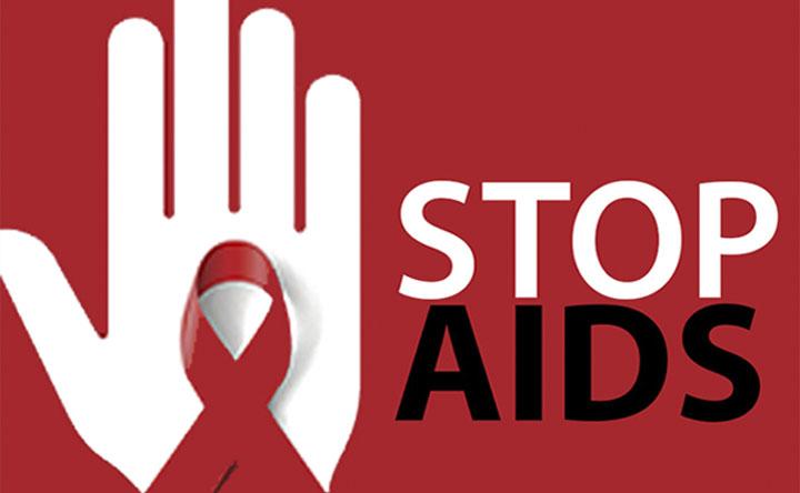 AIDS: gli auto-test per l'HIV arrivano oggi nelle farmacie italiane