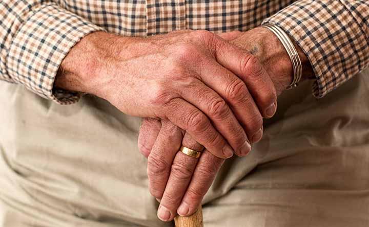 Come gestire il diabete nell'anziano: istruzioni per l'uso dei diabetologi e geriatri italiani