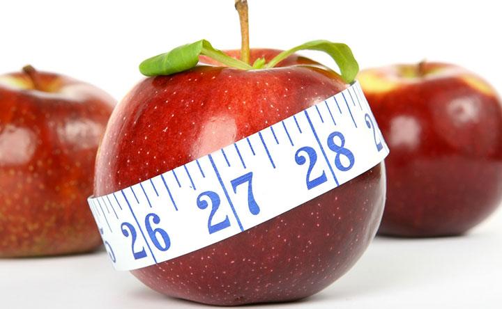 Stomaco pieno o a digiuno: cosa è meglio prima di fare attività fisica per dimagrire