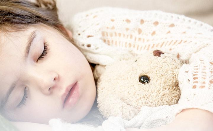 Poco sonno nella prima infanzia può portare a problemi cognitivi e comportamentali