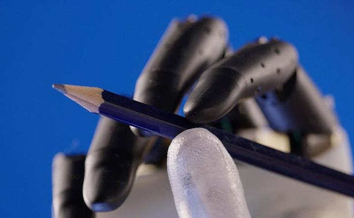 Hannes: la mano bionica che simula al 90% i movimenti della mano naturale